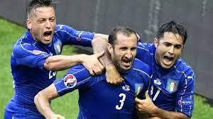 Italy beat Spain 2-0 to advance to Euro ...