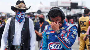 NASCAR stands with Bubba Wallace after noose found