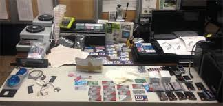 Id Bust Bklyner Theft Run-of-mill Into Huge Eagle-eyed Cops Arrest Turn -