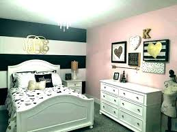 Black And White Bed Design Inspiration For A Master Bedroom Decor ...