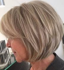 layered haircuts for older women 2021