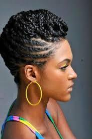 Coiffure Pour Cheveux Cr Pus Avec Tresses Coll Es Vers Le Haut