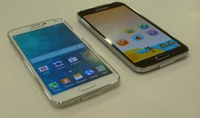 samsung galaxy s5 white vs black. as such the gap samsung had over competition with galaxy s2 and s3 is no longer there. last year it was a toss-up between htc one m7 s5 white vs black o