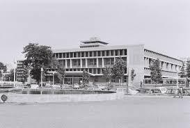 Université Toulouse 1 Capitole Bibliothèque Universitaire De Larsenal