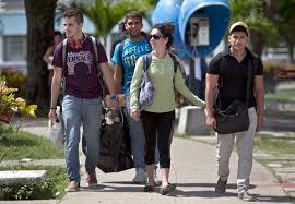 Resultado de imagen de estudiantes cubanos