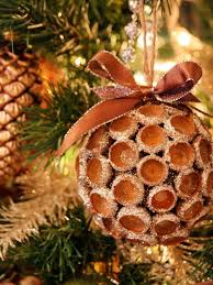 20 Easy Homemade Christmas Ornaments & Holiday Decorations