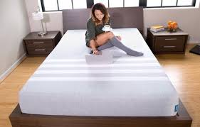 leesa mattress logo. leesa vs casper - mattress uncovered on bed logo s