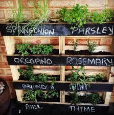 15 diy vertical pyramid garden planter