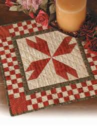 Quilting - Table Topper Quilt Patterns - Rosebud Table Mat Free ... & Rosebud Table Mat Adamdwight.com