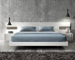 Platform Bedroom Furniture Lacquered Graceful Wood Luxury Platform Bed With Long Panels