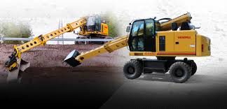 gradall excavators for road highway and heavy construction pick and roll sets a fast pace