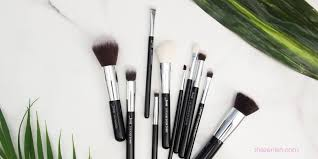 12 types of makeup brushes and their