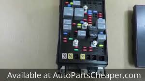 2005 2006 trailblazer or envoy 5 3 fuse relay box genuine oem new 2006 Chevrolet Trailblazer Fuse Box at 2006 Trailblazer Ext Fuse Box Diagram
