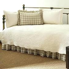 ivory bedding sets white and ivory bedding twin 5 piece daybed quilt set with scalloped edges ivory bedding sets