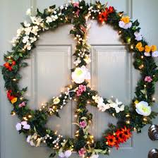 Peace Sign Decor For Bedroom How To Make A Peace Sign Ornament Wreath This Would Look Good