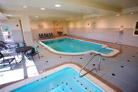 the swimming pool at or near hilton garden inn aberdeen