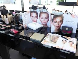 free makeup artist cles sephora learn the secrets of contouring with sephora makeup sessions