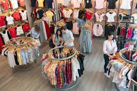 Retail Merchandising Visual Merchandising And Design Tips For Your Retail Store