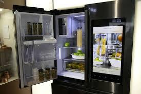 lg refrigerator instaview. eyes on: lg smart instaview vs. samsung family hub 2.0 lg refrigerator instaview o