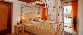 Arber Gruppenferienhaus Bayern Romantikurlaub Schlafzimmer