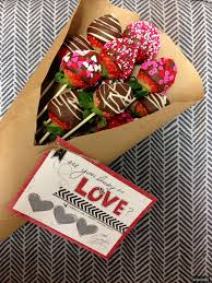 love 2016 valentine s day chocolate strawberries bouquet gift with chocolate drizzle and holiday sprinkle