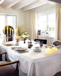 Lovely 30 Dining Table 18 Christmas Dinner Table Decoration Ideas  Freshomecom