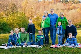 Family photos - fall colors, large group shoot
