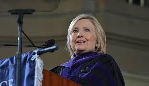 Day In Their Address To Students Class Up Encourages Clinton Keep C4qwZ54