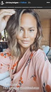 Chrissy teigen debuted a short wavy bob at the 60th annual grammy awards. Chrissy Teigen Shares Photos Of Her Lob Haircut