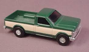 Ertl Diecast Green & Tan Pickup Truck, 1:64 Scale, For Ranch Or Farm ...