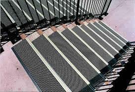 image of aluminum outdoor stair treads