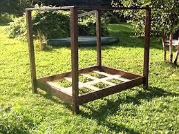 DIY Pallet Canopy Bed Frame