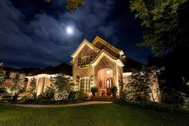 landscape and architectural lighting on home in nashville tn