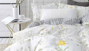 rooms sets bedspread living bedrooms set cot twin ideas alluring pinstripe targe yellow white sheets crib