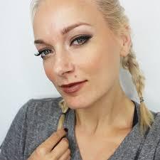 90 s grunge makeup look