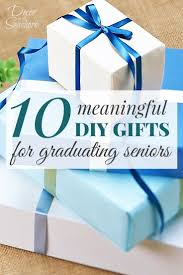 these diy graduation gifts are perfect for the grad who s leaving home such great