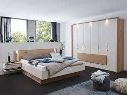 Schlafzimmer In Eichefarben Sandfarben In 2019 Decor Decor Bed