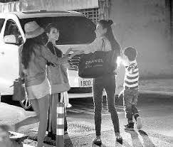 张柏芝携三岁小儿子看钢铁侠3被驱逐图娱乐频道凤凰网