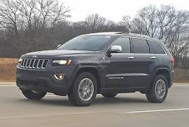 Spyshots: 2014 Jeep Grand Cherokee Facelift Loses Almost All Camo ...