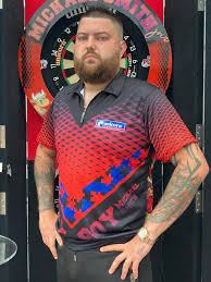 Michael Smith has slimmed down during quarantine. Apparently losing 3 stone  and going from a 5xl down to a xxl. : Darts