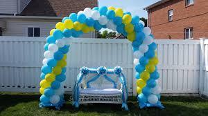 Baby shower love seat & balloon arch