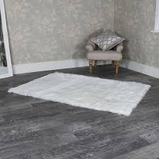 large white faux fur rug 140cm x 200cm