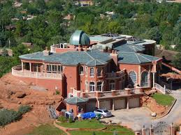 Sedona Blog: Sedona\u0027s HUGE House By The Chapel~Who really owns it?
