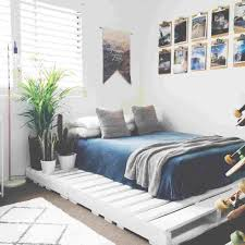 amazing diy bed frame with pallets twin from rhtheresolutionorg country wood pallet platform headboard and side