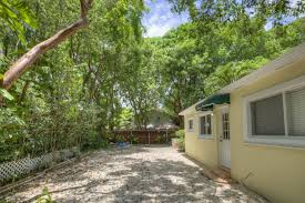 great property to get your foot into the keys real estate market 3 2 975 sf living space on a 5700 sf lot in x zone no flood insurance required
