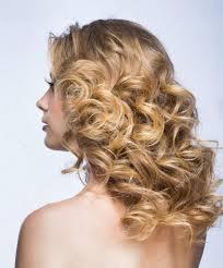 Blond Meisje Met Pluizig Haar Stockfoto Genika 39381329