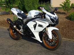 10 tips to sell a motorbike quickly biker and bike