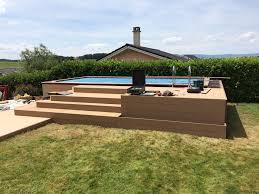 Mit podest am hauseingang oben, zwischenpodest oder vorbaubalkon ab 108 cm bis balkongröße 216 cm länge. Wooden Tec Terrasse Treppe Und Podest Um Den Pool Facebook