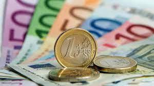 Bis auf 1,1249 Dollar: Euro auf Höchststand seit August - ZDFheute