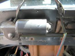 wiper motor wiring jeepforum com wiper motor wiring is fed down through the dash the previous owner just bolted the dash right over it and it chewed into the wires a bit right side of